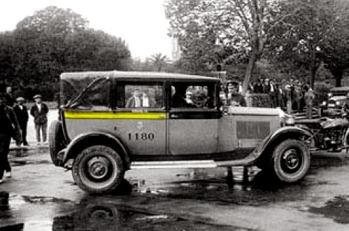 Resultado de imagen de taxis barcelona antiguos